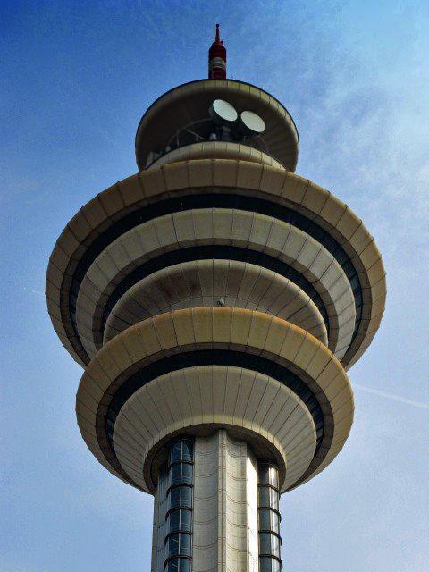 Torre-antenne-(Rozzano-MI)-1